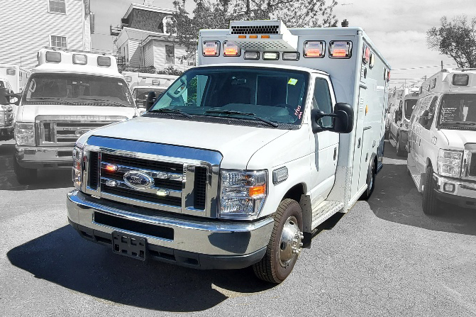 2016 Ford E350 Gas Type 3 AEV Used Ambulance For Sale 03